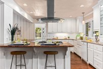 Staging The Nest - Vacant Home Staging - Kitchen & Island