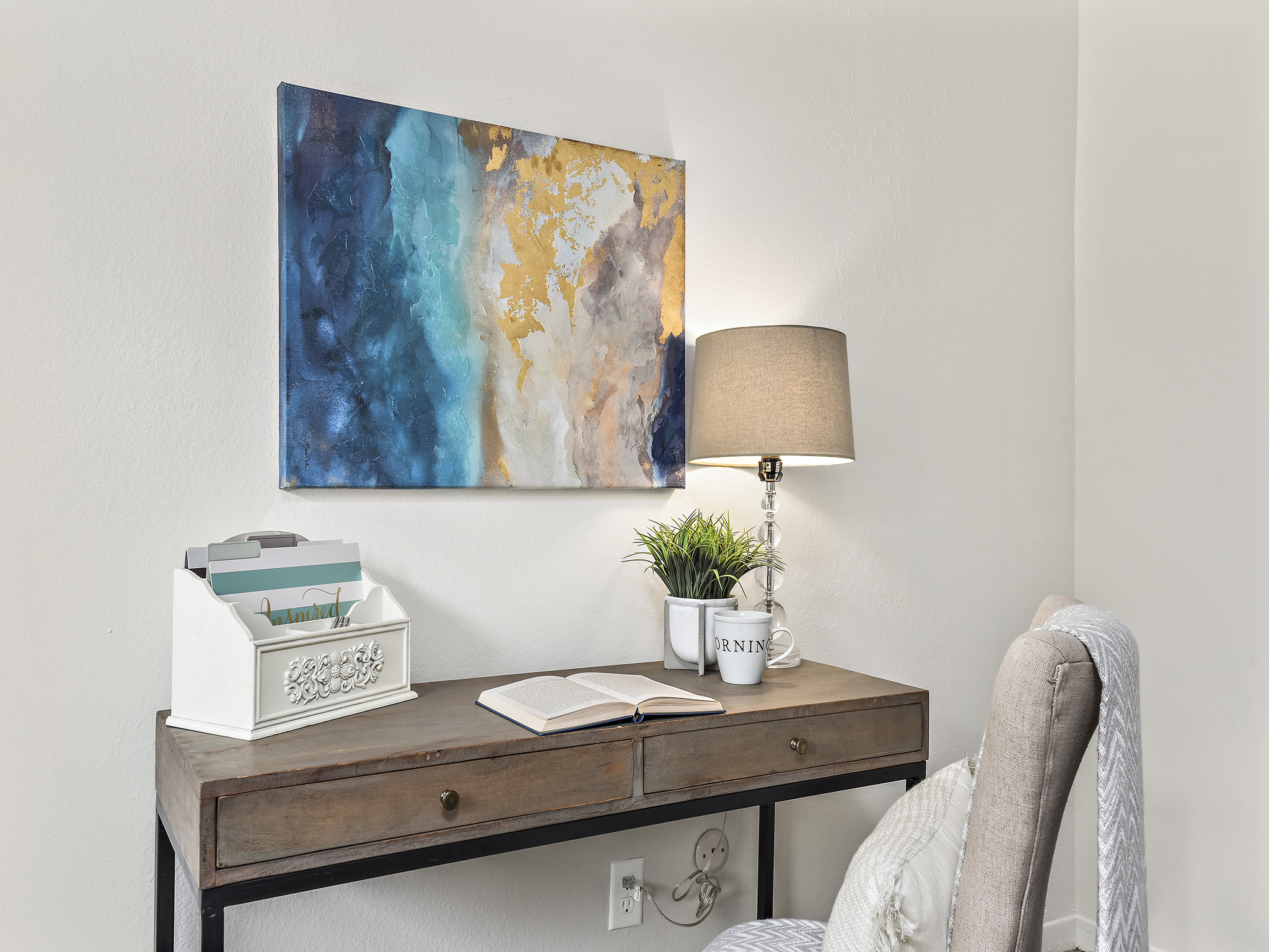 Staging The Nest - Vacant Staging - Master Bedroom Study Area