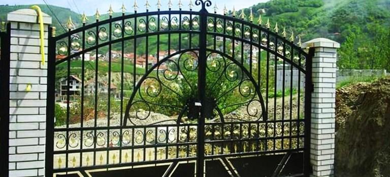 Tore, Zäune, Geländer und Gartentore