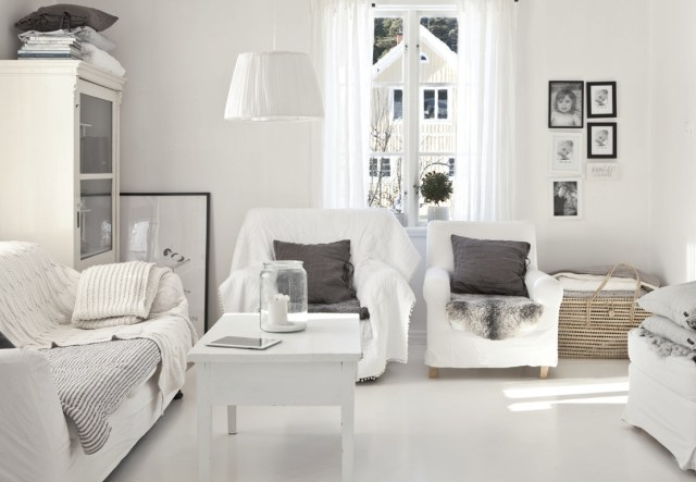 light-and-white-scandinavian-living-room