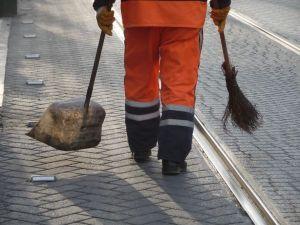 street cleaner on Yeniceriler Street, Istanbul