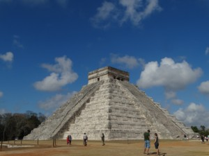 El Castillo (main pyramid) Chichen Itza, Mexico