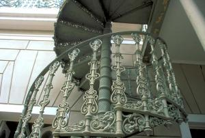 spiral-staircase-iron