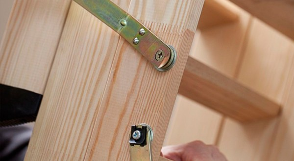 When purchasing such a ladder make sure that the fasteners and the material are reliable