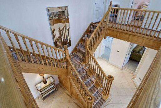 ash staircase ideas_14