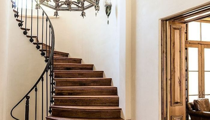 winding wood stairs_4