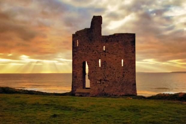 the-castle-green-ballybunion-l