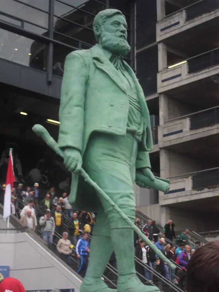 michael_cusack_statue_croke_park