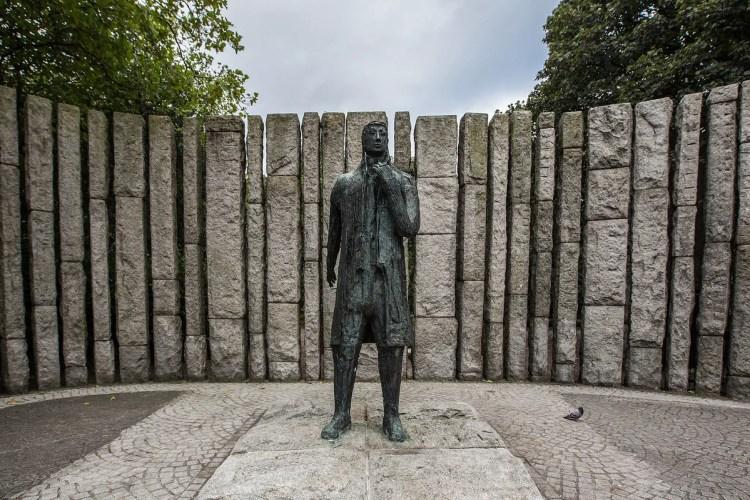 wolfe_tone_memorial_-_st_stephens_green_dublin_12893624893_o