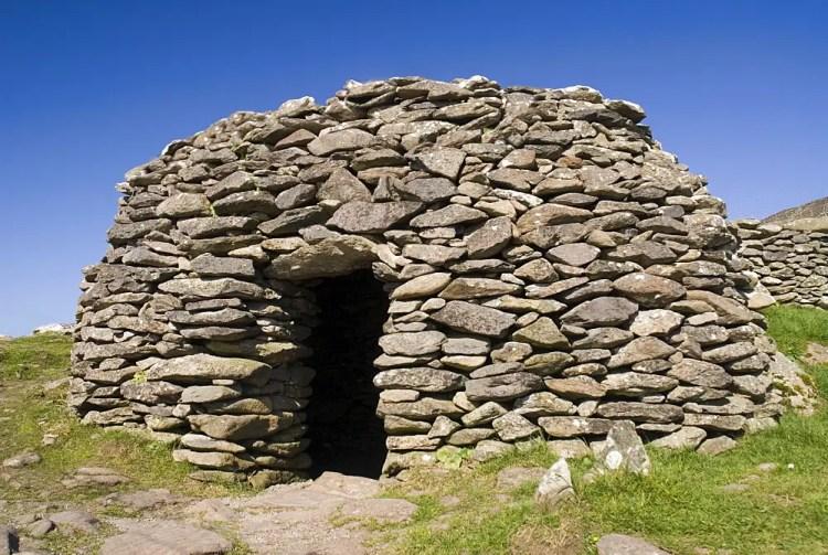 Ireland, County Kerry, Dingle Peninsula, Beehive hut in the Fahan Group.