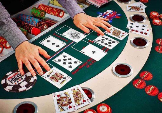 วิธีเล่นโป๊กเกอร์ - การเล่น Poker