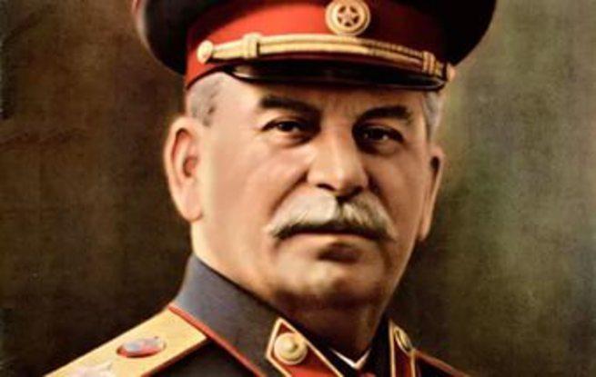 Политические лилипуты у подножия Сталина