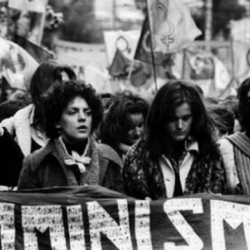 Donne di oggi infelici e irrisolte: il femminismo sotto accusa