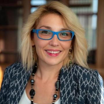 L'On. Veronica Giannone e le orride crociate anti-padre