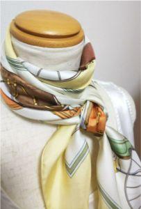 春のスカーフ
