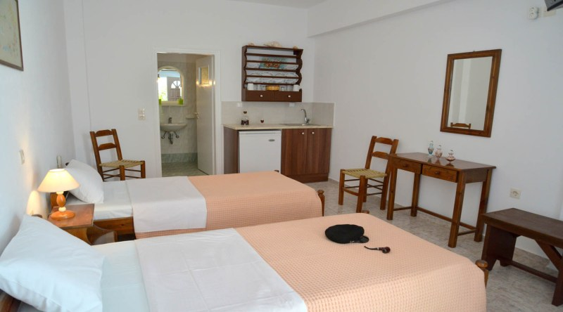Stamatia Rooms in milos