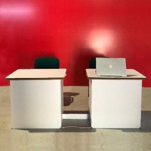 2 tavoli scrivania in cartone