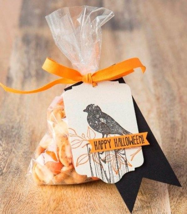 treat bag with tag