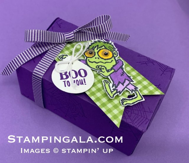 Perfect Parcel die, Halloween treat holder using Boo to You stamp set