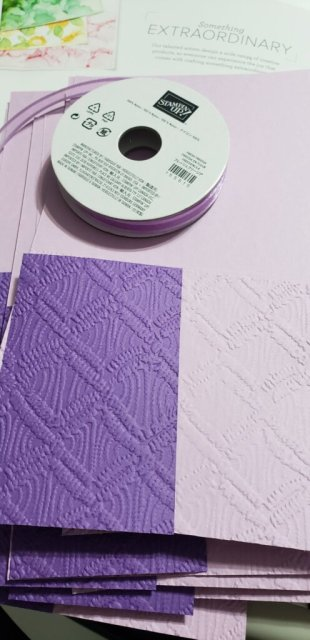 Joining old with new products is something I love to do!  I used the Stitced so Sweetly Dies with the brand new stamp set called Biggest Wish and the new Macrame 3D embossing folder.   Completed with Fresh Freesia and Gorgeous Grape cardstocks