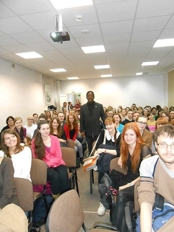 A presentation, October 26, 2012, coordinated by my dear friend and colleague Professor Ewa Luczak of the American Literature Department, University of Warsaw. The audience included students (bachelor - doctorate candidates), faculty, and members of the Poland Fulbright office.