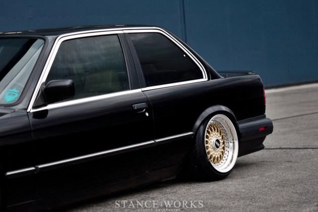 BMW e30 bagged