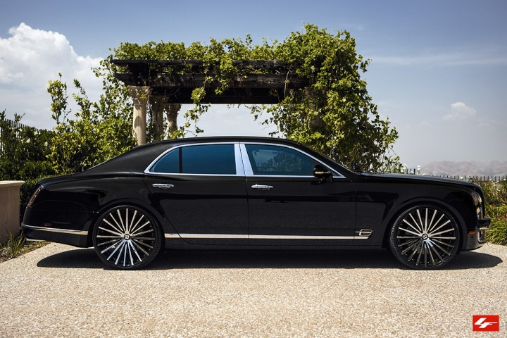 Bentley Mulsanne On 24-Inch Lexani Wheels
