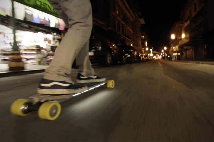 blink-qu4tro-electric-longboard-2