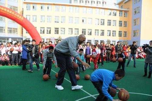 James_at_basketball_clinic_in_jilin_china_-_2011