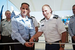 Col. Liran Cohen, head of the IDF's air defense school, left, and Col. David Shank, of the US 10th Army Air & Missile Defense Command