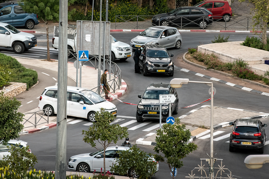 Israeli Police check cars during Covid-19 Lockdown April 2020