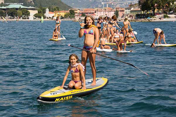 The-Butterfly-Effect-World-tour-standup-paddling