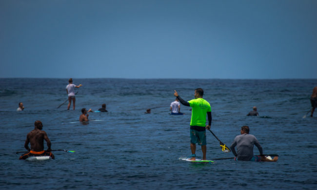 SUP Surfing etiquette surfers line up