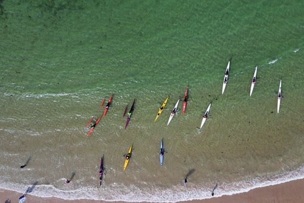 Outrigger Canoes by Supjunkie