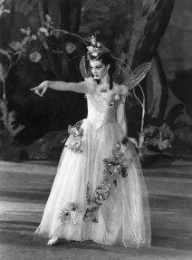 Vivien-Leigh-as-Titania-from-A-Midsummer-Nights-Dream-1937