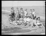 group-of-women-Revere-Beach-Leslie-Jones-1937-h