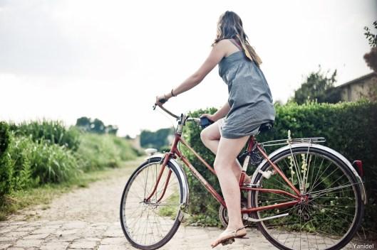 Girl versailles bike HR