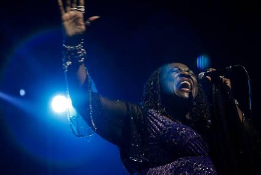 Thornetta Davis Thirdpage - singer