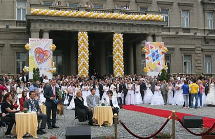 Колективно венчање у Београду (Извор: Мондо)
