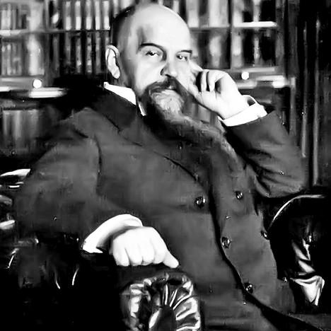 Николај Хартвиг