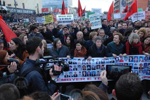 pristinaprotest201502