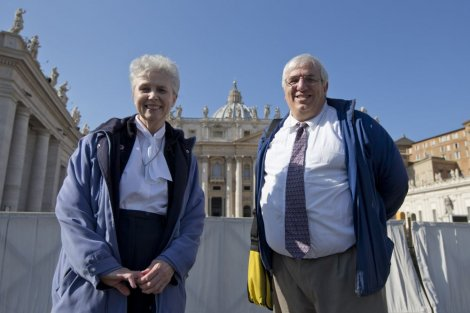 Часна сестра Џенин Гремик и Франсис Дебарнардо, извршни директор NWM