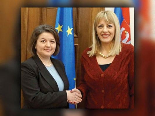 Евгенија Филипенко и Јадранка Јоксимовић (Фото: srbija.gov.rs)