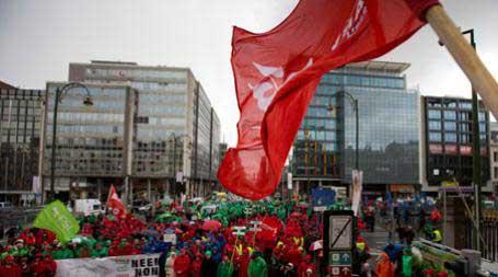 Брисел, 30.03.2015 - учесници данашњег протеста, у организацији трговинских синдиката, против реформи и штедње белгијске владе у Бриселу
