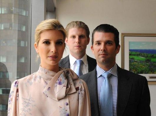 Троје од петоро деце: Иванка, Ерик (у средини) и Дон Јуниор