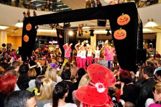 Дечији маскенбал у Београду поводом Ноћи вештица