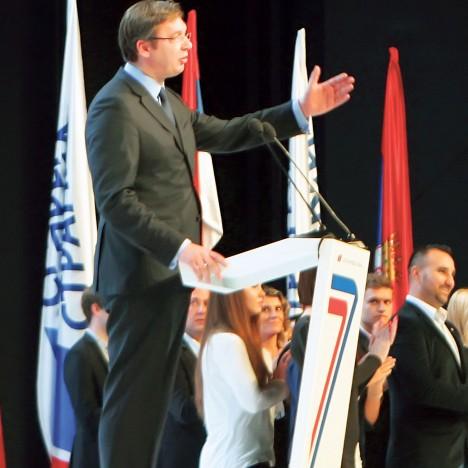 Председник СНС-а Александар Вучић одржао је получасовни говор пред чланством странке у препуној сали у Сава центру (Фото З. Анастасијевић