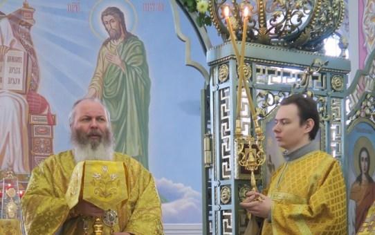 Накануне Дня памяти святой блаженной Валентины Минской епископ Павел совершил литургию в Никольском храме д.Станьково