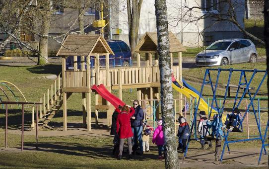 Необходима помощь в подготовке детской площадки