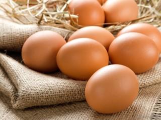 Продам свежее домашнее куриное яйцо